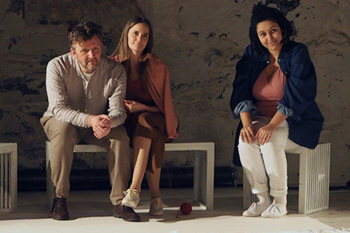 Tiden Uten Boker Familie Foto Ulf Breistrand